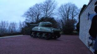 Un tank «Sherman» polonais au mémorial de Montormel.