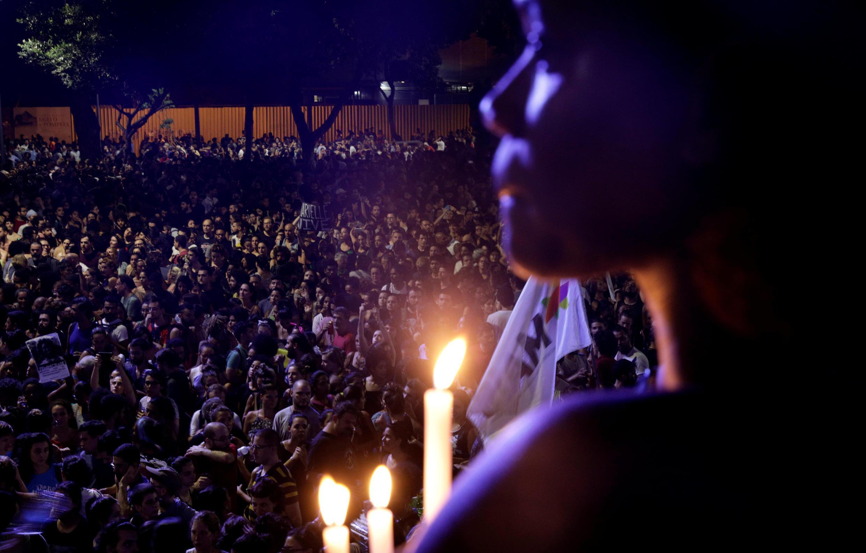 Manifestação no Rio de Janeiro no dia seguinte do assassinato de Marielle Franco, 15 de março de 2018.
