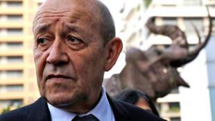 """«Cela peut mal tourner parce que M. Fayulu était """"a priori"""" le leader sortant de ces élections», a déclaré le chef de la diplomatie française Jean-Yves Le Drian."""