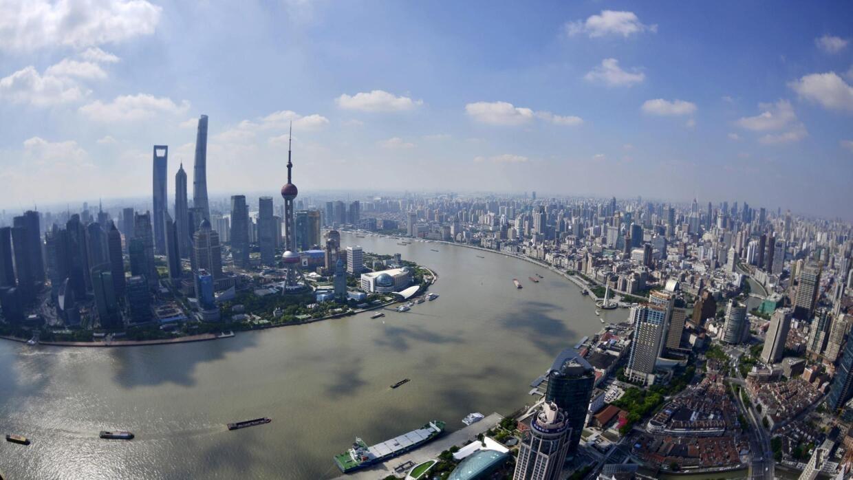 中國建樓封頂500米不爭搶世界第一摩天高了