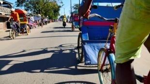 A Tamatave, foyer épidémiologique, le confinement partiel reste de mise, comme à Antananarivo.