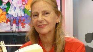 Diana Aisenberg en los estudios de RFI