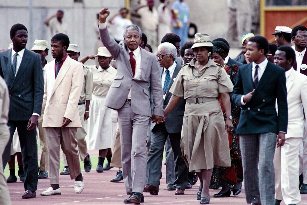 Nelson Mandela na mkewe Winnie.