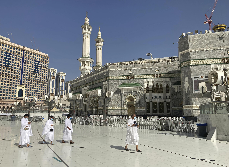 Masallacin Makka dake kasar Saudiya, ranar 13 ga watan Afrilu 2021.