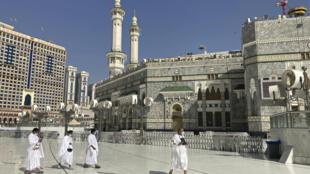arabie-saoudite-mecque-minarets-mosquee