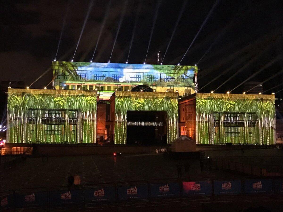 Espectáculo francés de video, sonido y luz en la Plaza de Bolívar de Bogotá