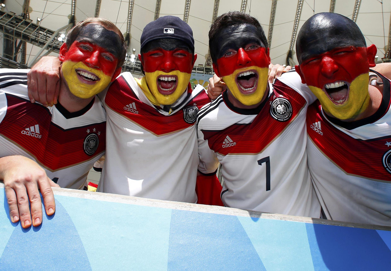 Les supporters allemands étaient déjà dans le match avant le coup d'envoi...