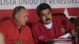 El ex Presidente de la Asamblea Nacional, Diosdado Cabello y el Presidente Nicolás Maduro, el 12 de enero en Caracas.