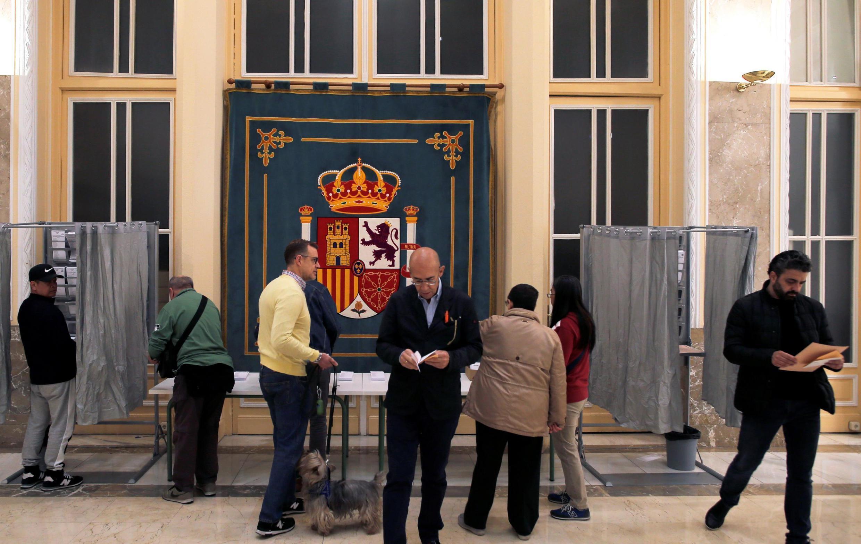 Избирательный участок в Мадриде. 28 апреля 2019 года