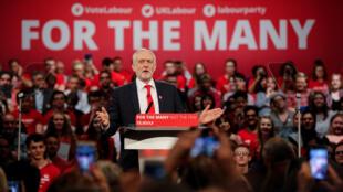 Jeremy Corbyn, le leader du parti travailliste en campagne à Birmingham.