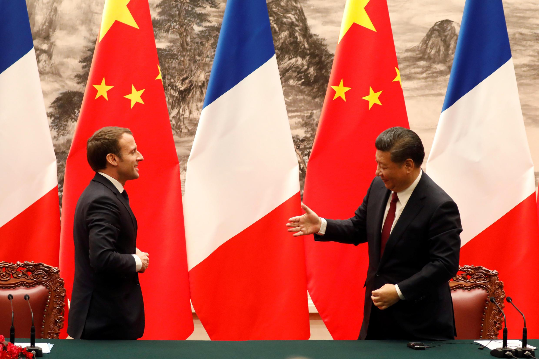 Ảnh minh họa: Chủ tịch Trung Quốc Tập Cận Bình (P) tiếp đồng nhiệm Pháp Emmanuel Macron tại Bắc Kinh, ngày 09/01/2018.