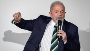 El expresidente brasileño Luiz Inacio Lula da Silva habla durante un evento celebrado en el Club de Prensa de Ginebra, el 6 de marzo de 2020