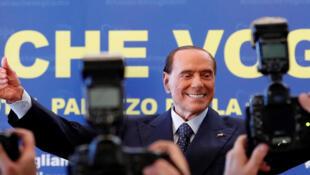 Le Berlusconi nouveau est arrivé