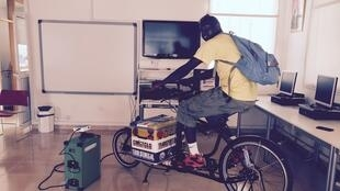 With Cinécyclo, films are shown by using a projector that's powered by a bicycle.
