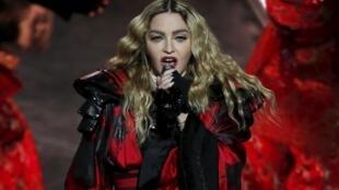 Nữ ca sĩ Madonna trong buổi trình diễn ở Macau, Trung Quốc, ngày 20/02/2016.