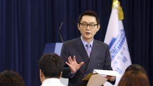 Ông Yoon Chang-Jung, phát ngôn viên vừa bị cách chức. Ảnh chụp ngày 03/05/2013 tại Seoul.