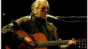 El cantautor Facundo Cabral.