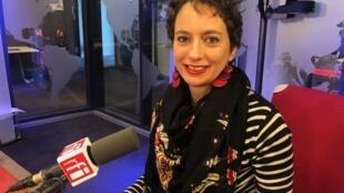 A historiadora Juliette Dumont