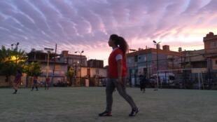 Fotograma del reportaje Little Miss Soccer que destapa la esencia y lucha del futbol femenino a nivel mundial.