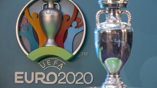 Euro 2020 - Troféu - UEFA - Trophée - Trophy - Desporto - Futebol - Football - Logo