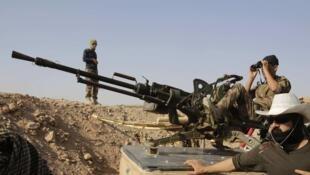 参与解困拉莫尔城的peshmergas战斗