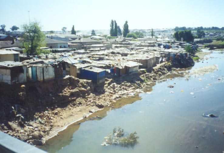 Ujenzi mbovu katika mtaa wa mabanda jijini Dar es salaam Tanzania
