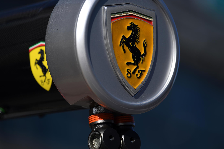 Le logo légendaire de Ferrari.