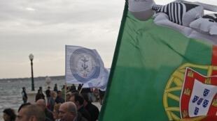 Militaires et fonctionnaires en colère contre les mesures d'austérité, à Lisbonne, le 12 novembre 2011.