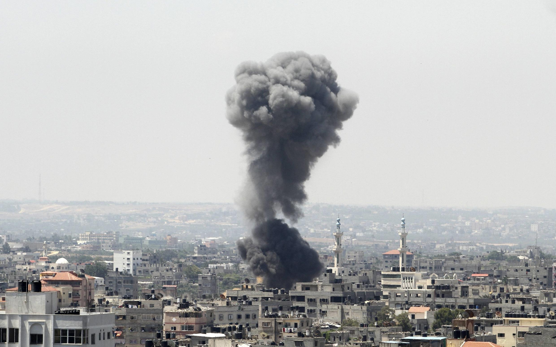 A aviação israelense lançou novos ataques aéreos contra a Faixa de Gaza na madrugada desta terça-feira, 8.