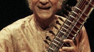 Ravi Shankar nació en 1920 en la ciudad sagrada de Benarés, India.
