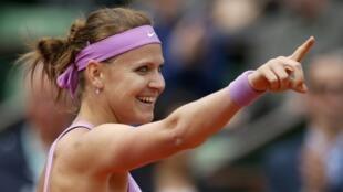 Lucie Safarova eliminó a la rusa María Sharapova.  REUTERS/Gonzalo Fuentes.