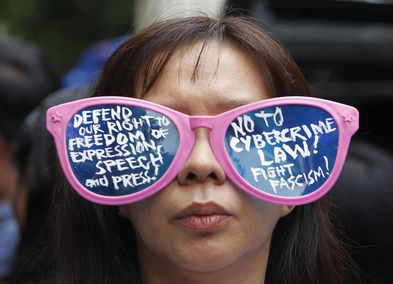 Kupinga ukandamizaji wa uhuru na haki ya kujieleza nchini Philippines.