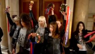 FEMEN в парижском суде 09/07/2014