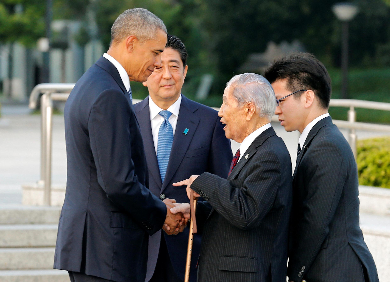 Barack Obama akiwa Waziri mkuu wa Japan Shinzo Abe mei 27 2016.
