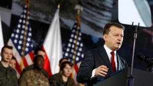 Bộ trưởng Quốc Phòng Ba Lan Mariusz Blaszczak phát biểu khi đón tiếp phó tổng thống Mỹ Mike Pence, Vacxava, ngày 13/02/2019.