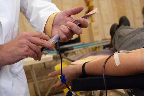 Pacientes que receberam sangue de mulheres e jovens tiveram risco maior de morrer.