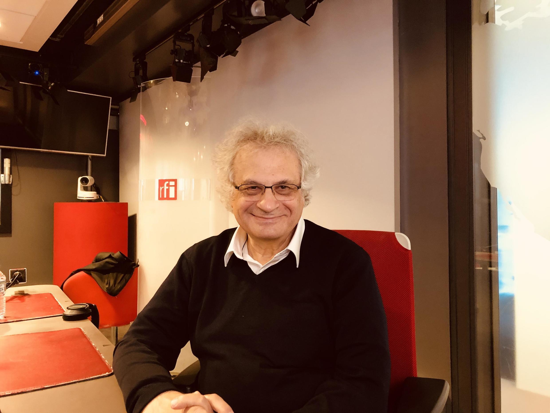 Amin Maalouf en studio à RFI (octobre 2020).