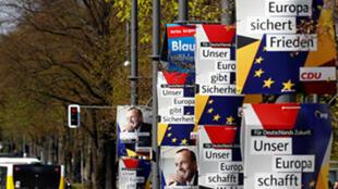 Berlin, le 15 avril 2019, avec les affiches des candidats aux prochaines élections européennes.