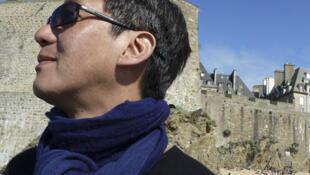 Le photographe-journaliste franco-vietnamien Dung Vo Trung.