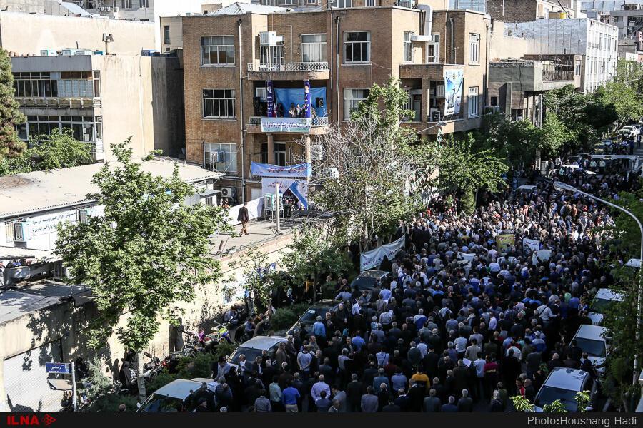 تظاهرات امروز روز کارگر در مقابل مجلس شورای اسلامی
