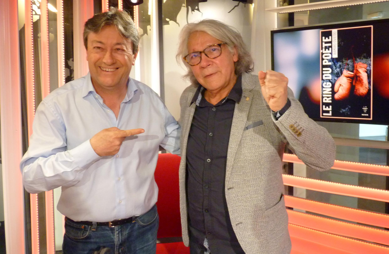 El poeta ecuatoriano Ramiro Oviedo con Jordi Batallé en RFI