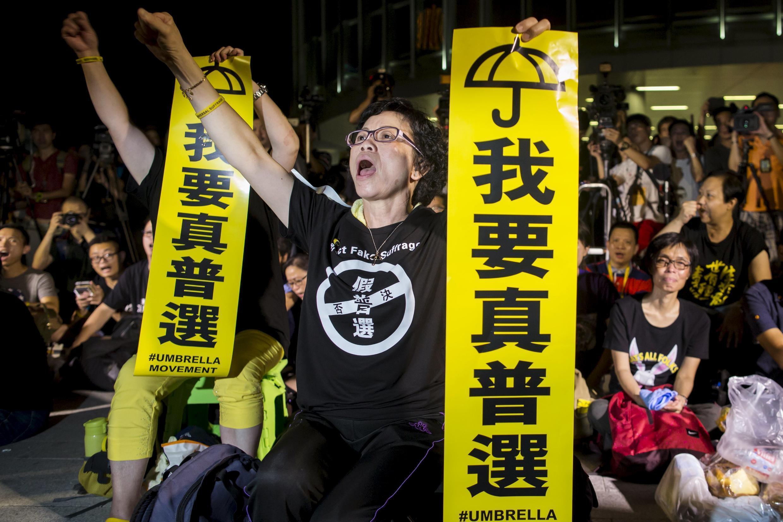 Phong trào biểu tình đòi dân chủ bùng lên vào tháng 10/2014 - Reuters
