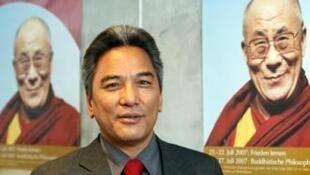 达赖喇嘛驻欧洲特使格桑坚赞(Kelsang Gyaltsen),日期不详。