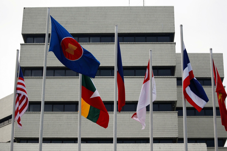 2021-08-01T030935Z_1955943300_RC23WO936XHK_RTRMADP_3_MYANMAR-POLITICS-ASEAN-ENVOY