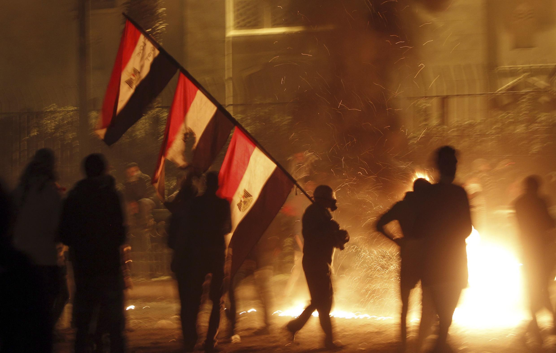 Столкновения противников и сторонников президента Мурси в Каире в ночь с 25 на 26 января 2013