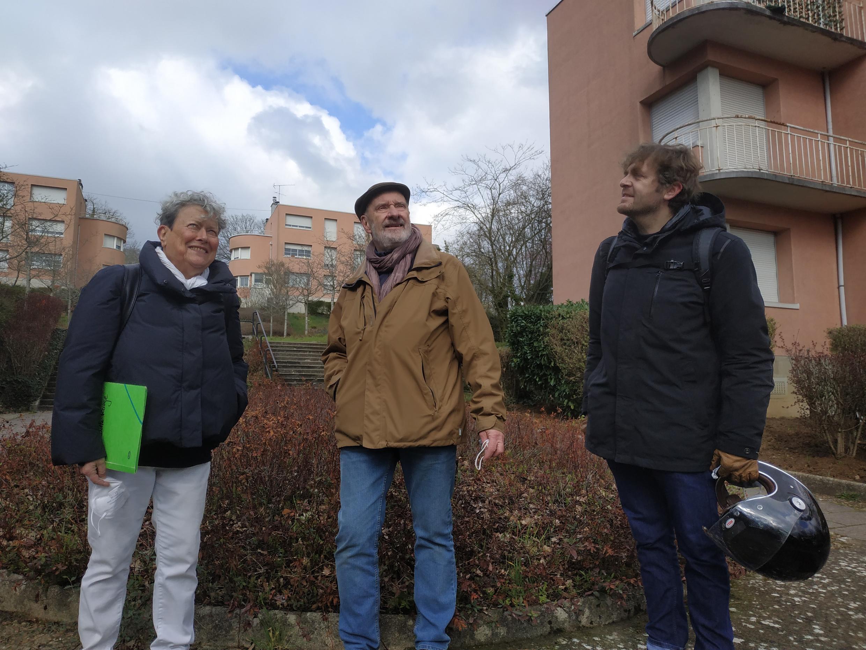 Barbara Gutglas, Jean-Claude Charrier et Marc Sirvin défendent l'historique cité-jardin de la Butte Rouge que la mairie de Châtenay-Malabry souhaite réaménager.