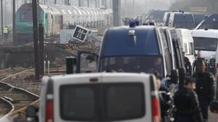Heavy security near nuclear waste train stopped in Rémilly