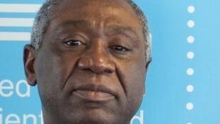 Son Excellence M.Samuel Mvondo Ayolo, Ambassadeur extraordinaire et plénipotentiaire du Cameroun en France.