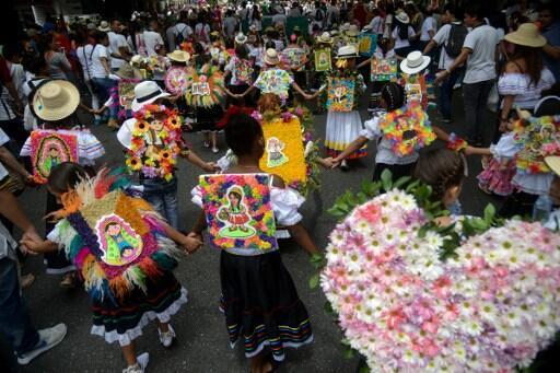 Le secteur de la floriculture génère plus de 130 000 emplois de manière direct ou indirect dans 60 municipalités de la Colombie. Photo: Défilé dans les rues de Medellin, le 30/07/2016 avec comme thème la paix
