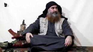 Picha iliyotolewa na kundi la Islamic State Aprili 29, 2019 ikimuonyesha Abu Bakr al-Baghdadi.